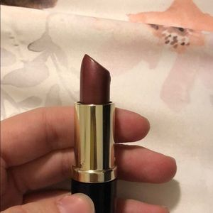 Estée Lauder lipstick in shade Hot Kiss Shimmer